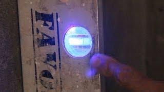 Строительный уровень с подсветкой своими руками.Полезно для всех!(Как самому сделать встроенную LED подсветку уровня.Плюсы и минусы такой переделки..Уровень с подсветкой..., 2014-07-06T00:28:34.000Z)