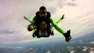 Skyradical Paraquedismo - Salto Lili Schavacini