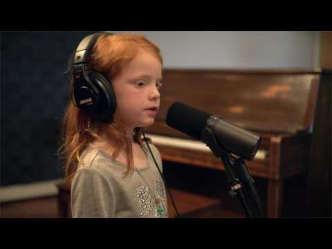 Kari Jobe - I Am Not Alone