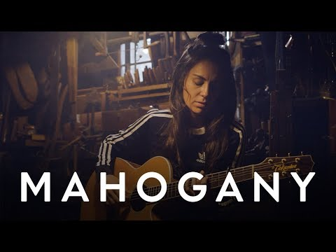 Amy Shark - Weekends | Mahogany Session