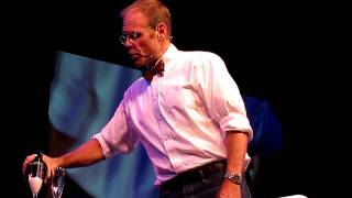 Repeat youtube video Alton Brown - Opening Champagne with a Saber
