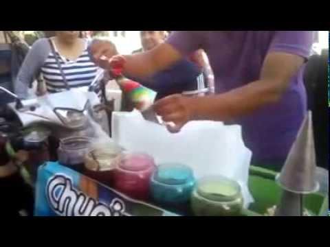 Làm kem cực lạ chỉ có ở Thái Lan