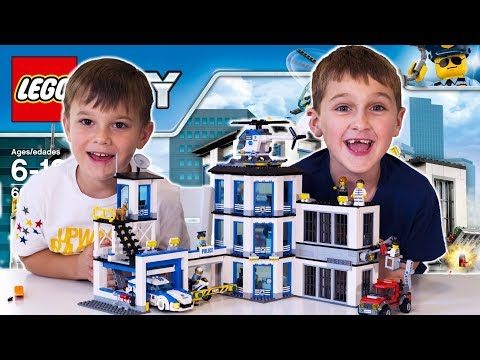 LEGO CITY Police Station (60141) Unboxing, Timelapse Build, Review and Play FUN