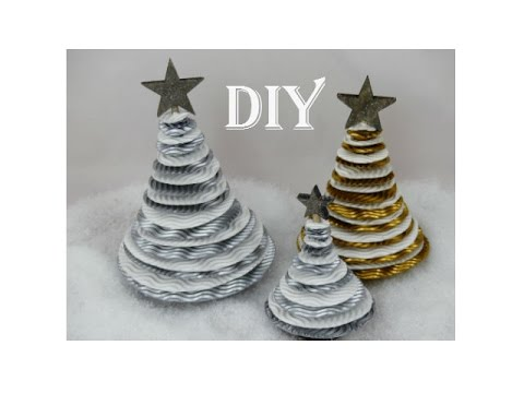 diy weihnachtsbaum aus wellpappe christmas tree made. Black Bedroom Furniture Sets. Home Design Ideas