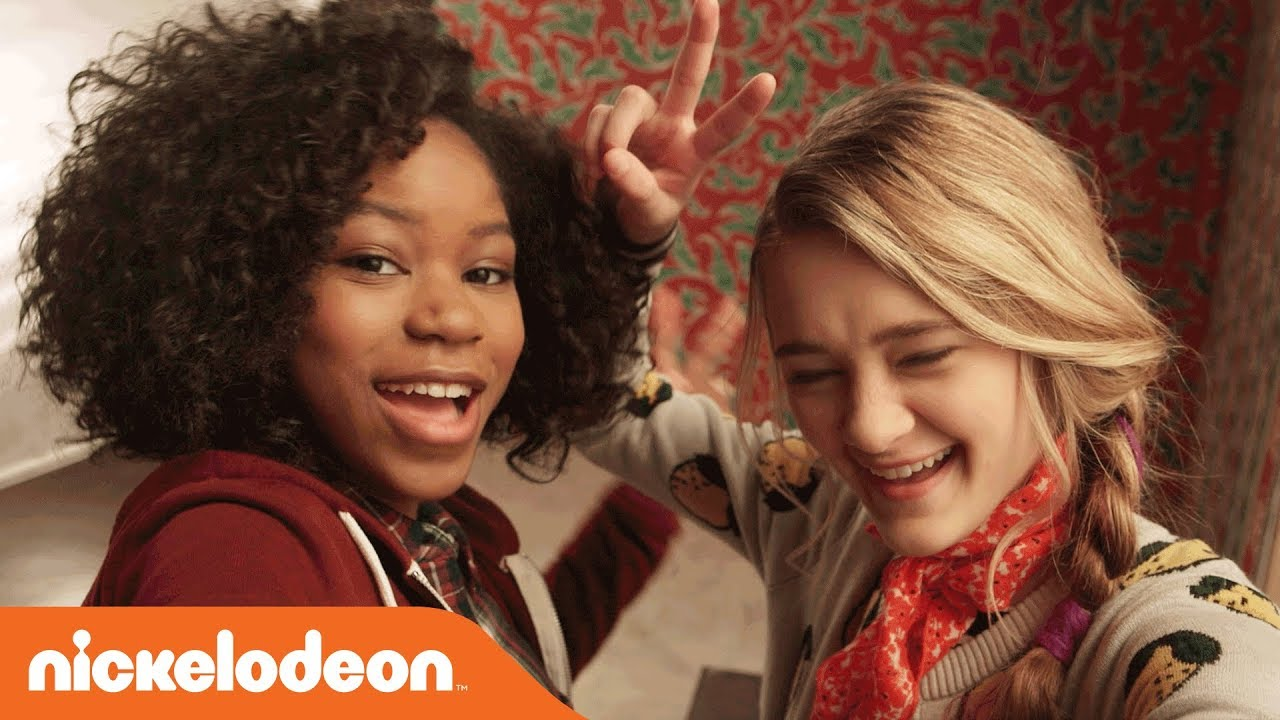 Download 🎅🏿 'Tiny Christmas' 🎁 Movie Bloopers w/ Riele Downs & Lizzy Greene | Nick