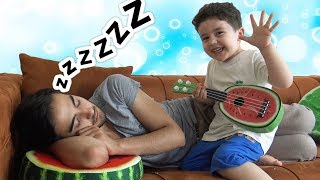 Yusuf Yaramazlık Peşinde!!! Play musical instruments and wake up Uncle