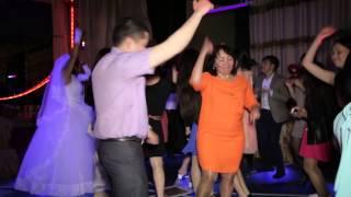 Ресторан Алтай.Танцы на свадьбе Рината и Аяжан (7 06 2014,by studio BEST)