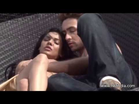 H0T Chemistry Between Adhyayan Suman and Sara Loren