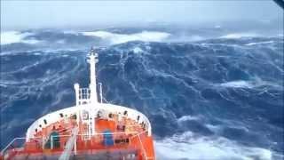 """Океан разбушевался - танкер в шторм  . LPG/C """"Venere"""" in storm"""