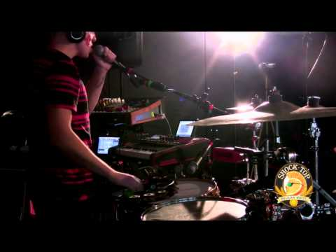 RadioBDC Live in the Lab - Robert Delong performs 'Long Way Down'