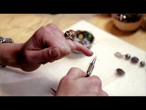 How to Make Wire-Wrapped Bracelets : Introduction to Wire Wrap Jewelry