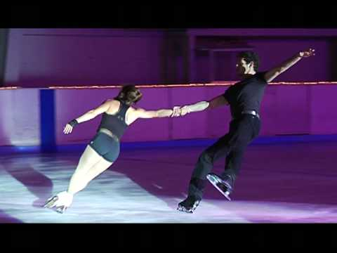 "Marissa Castelli and Simon Shnapir skate to ""Billie Jean"""