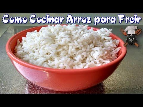 Como cocinar el arroz para poder freirlo   Con aceite y sal