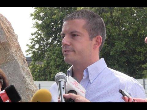 Дали Груевски е анонимниот донатор на петте споменици?
