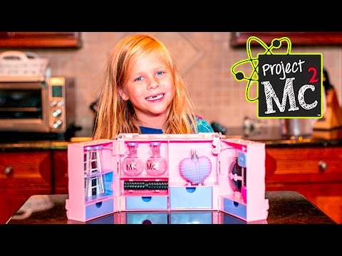 assistant-unboxing-the-project-ultimate-mc2-super-spy-kit-and-play-set