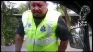 Pemandu Yang Kurang Ajar Dengan Pol...