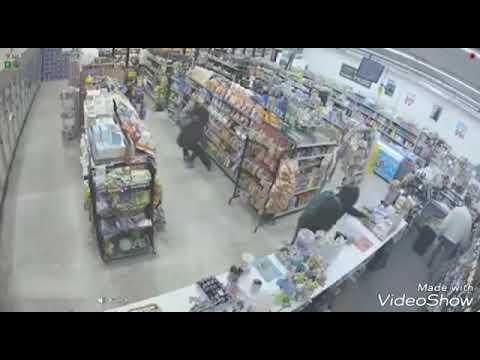 Dua orang pencuri datang ke kedai ini untuk mencuri tetapi apa yang berlaku kemudiannya