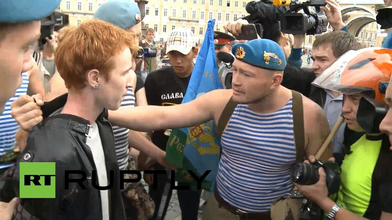 Russia: Gay activist is attacked by paratroopers on national holiday