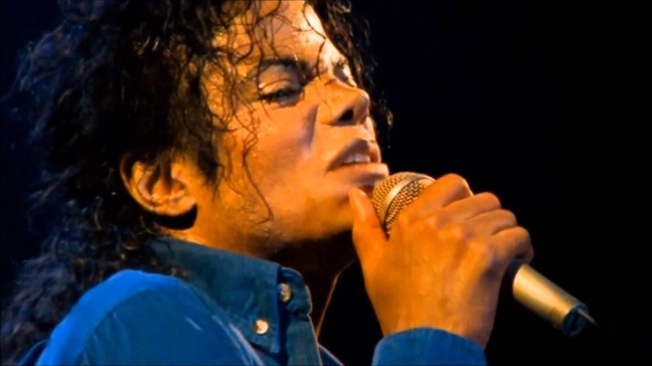 Michael Jackson kembali didera isu dirinya seorang pedofil. Pada 1993, Latoya Jackson, adiknya, pernah mmembenarkan (gambar dari: https://www.youtube.com/watch?v=_zdK-ervY2Q)