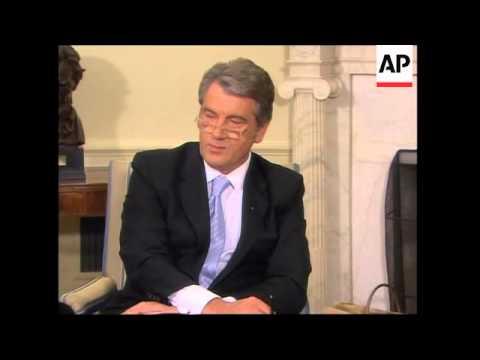 Bush meets counterpart Yushchenko