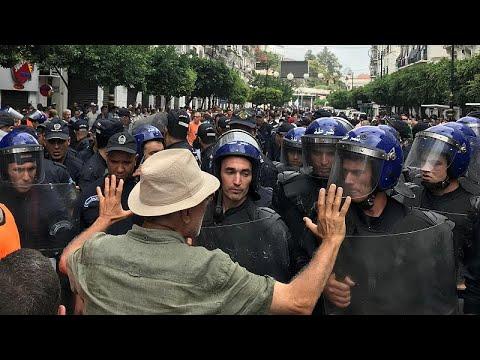 رغم الإجراءات الأمنية المشددة ... الآلاف  يتظاهرون في الجزائر في الجمعة الـ31…  - 21:54-2019 / 9 / 20