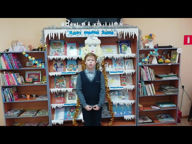 Изображение предпросмотра прочтения – МаксимМорозов читает произведение «Вишня» М.В.Исаковского