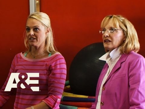 Storage Wars: Texas: Jenny Takes Her Hoop To The Gym  A&E