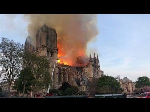 巴黎圣母院遭遇严重火灾损失惨重 法国总统马克龙含泪宣布重建   小央视频