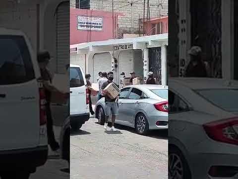 Filas para despensa del PRI en Ecatepec