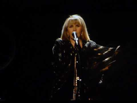 "Stevie Nicks ""Stand Back"" (24k Gold Tour Live in Memphis, TN on 03-08-2017 at FedEx Forum)"