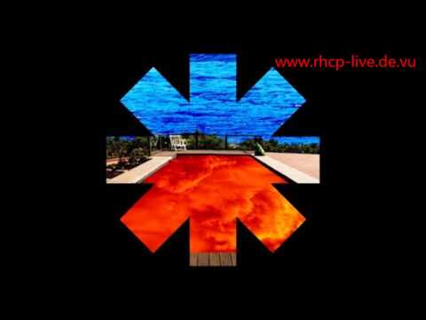 Red Hot Chili Peppers Gong Li live tease 2000