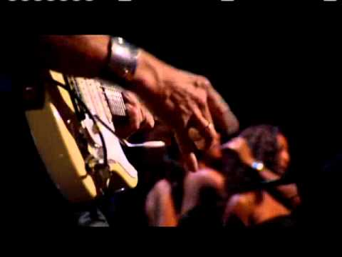 """Stevie Wonder and Jeff Beck Perform """"Superstition"""" at Rock and Roll Hall of Fame 25th Anniversary"""