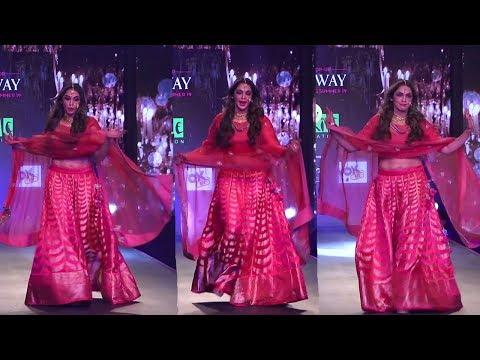 Isha Koppikar ALMOST FALLS On During Her Ramp Walk @ RUNWAY SPRING SUMMER 2019