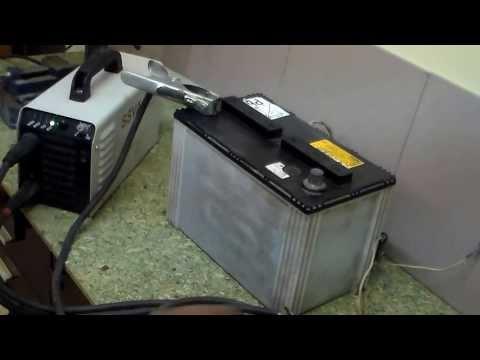 Индикатор напряжения аккумулятора.