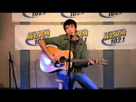 Mo Pitney Sings A Boy Girl Thing