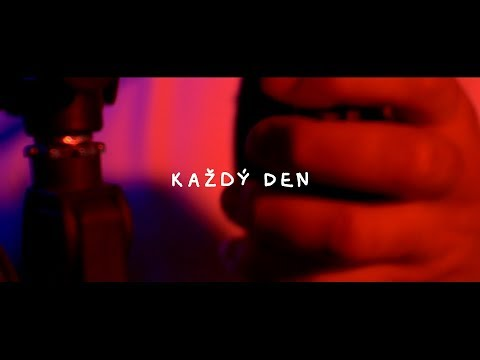 YOUNG CASH - KAŽDÝ DEN (OFFICIAL VIDEO)