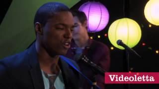Violetta 2 Leon,Andres and Broduey singing Te fazer feliz in English