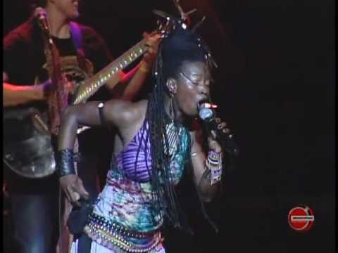 Dobet Gnahoré - Nadodo - Bridgestone Music Festival 2008