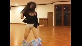 Vania gemash dance Sampe melorott !! 😲