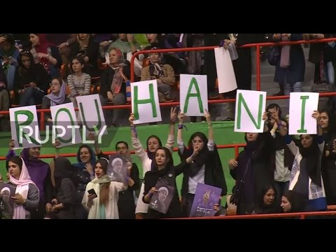 Iran: Rouhani addresses thousands one week before presidential elections