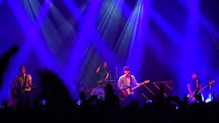 The Vamps - Just My Type - LIVE (@ Brussels)