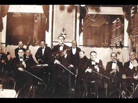 Gyori Lakatos Toni es Misi Ciganyzenekara 1935'