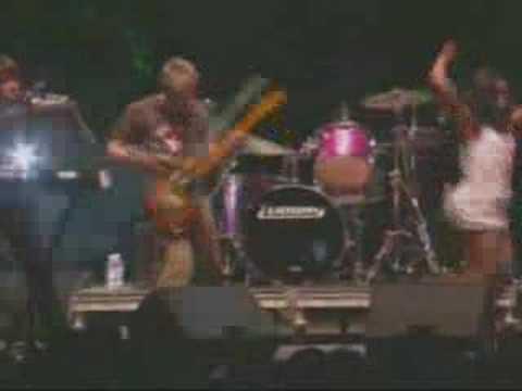 The Go! Team - Huddle Formation (Live @ Coachella 2006)