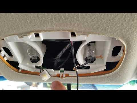 Fixing Car Dome Light - Car Interior Light Broken (Saturn Vue 2002-2007) thumbnail