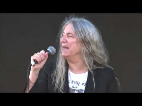 Patti Smith - Because The Night, Live in Dublin 06/06/18