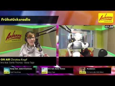 Ein Roboter als Co-Moderator im ANTENNE VORARLBEG - Studio!