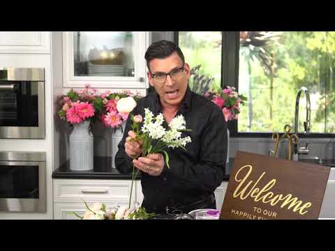 diy-easy-wedding-welcome-sign-|-david-tutera-|-michaels