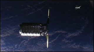 "Cygnus OA-9 ""SS J.R. Thompson"" Rendezvous, Grapple, & Berthing (time lapse)"