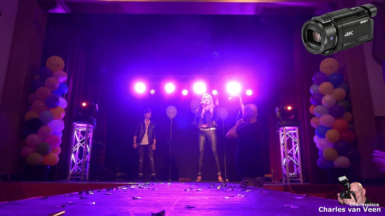 Laura v/d Elzen zingt voor Danny Smoorenburg Total Eclipse