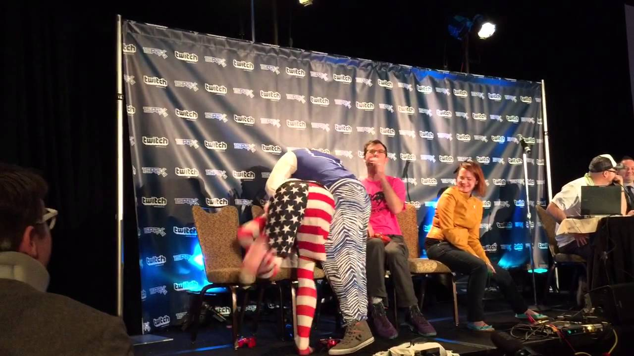 Tim Turi gives Dirty Dan Ryckert a baby swirly - YouTube